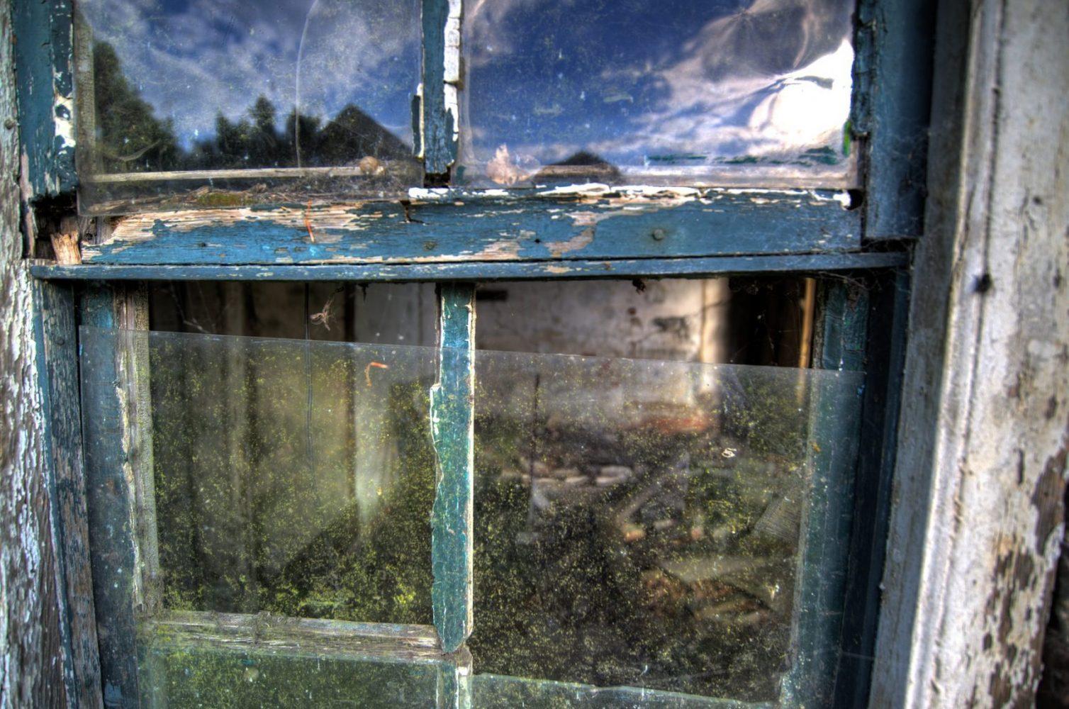 abandoned-2428717_1920
